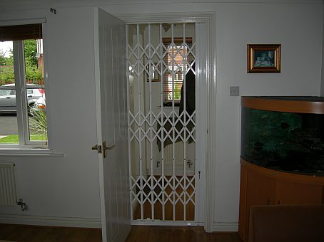 Domestic-Internal-Retractable-Gate