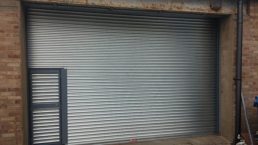 roller-shutter-with-wicketgate-2