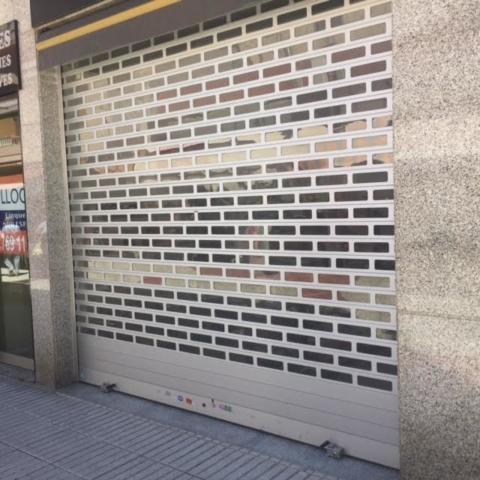 Brick bond shutter
